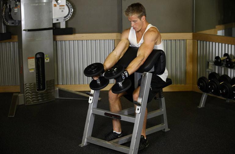 Почему Молоток это лучшее упражнение на массу бицепса?