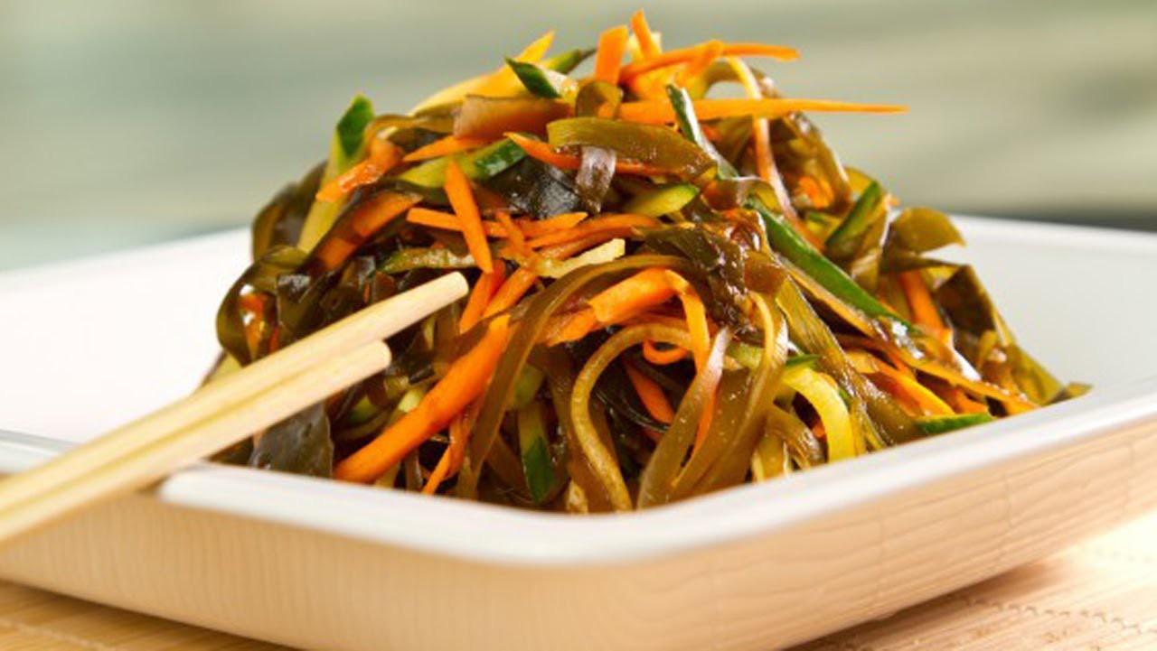 salat-iz-morskoj-kapusty-i-morkovi-po-korejski