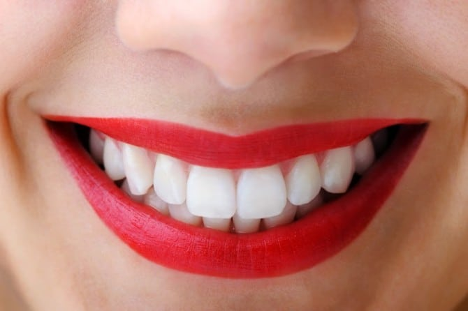 Как самостоятельно бороться с зубным камнем? Действенные способы!