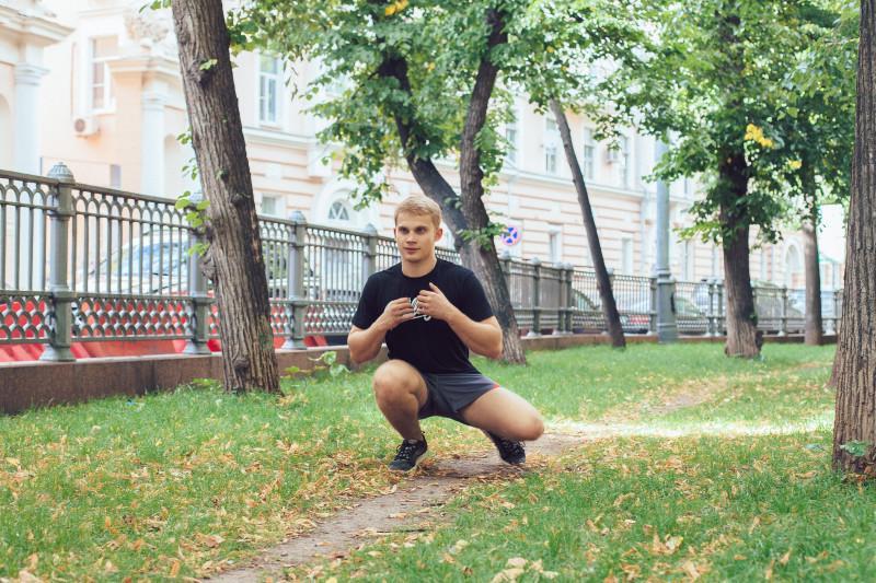 11 упражнений, которые можно делать в парке или на даче. Изображение номер 14