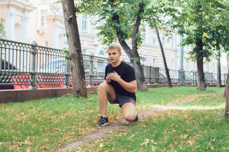 11 упражнений, которые можно делать в парке или на даче. Изображение номер 16