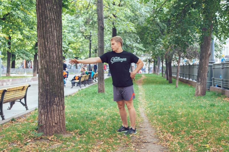 11 упражнений, которые можно делать в парке или на даче. Изображение номер 19
