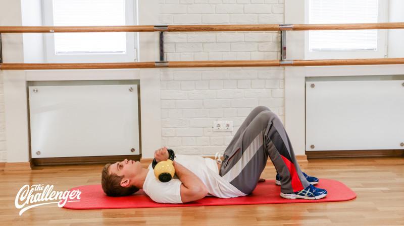 13 упражнений с гирями, которые отлично качают все мышцы. Изображение номер 2