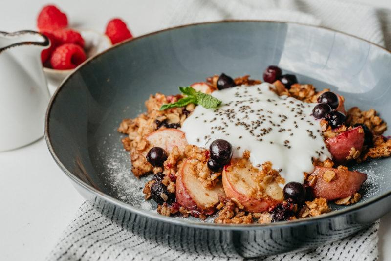 Изображение рецепта Гранола с персиком и йогуртом