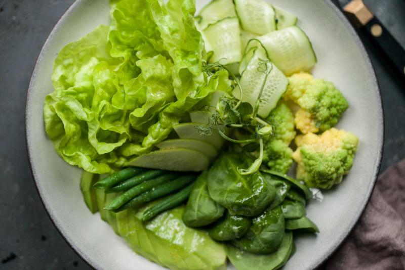 Изображение рецепта Зелёный салат с соусом из яблочного сидра