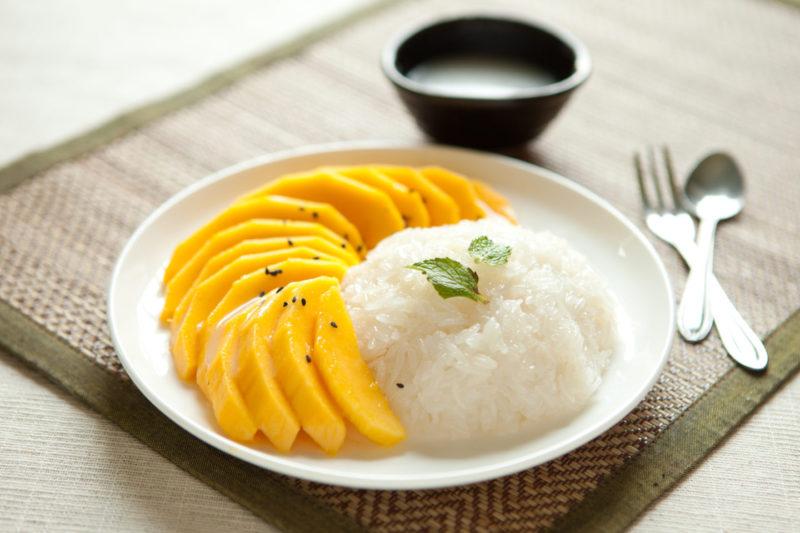 Изображение рецепта Сладкий рис с манго и кокосовым молоком
