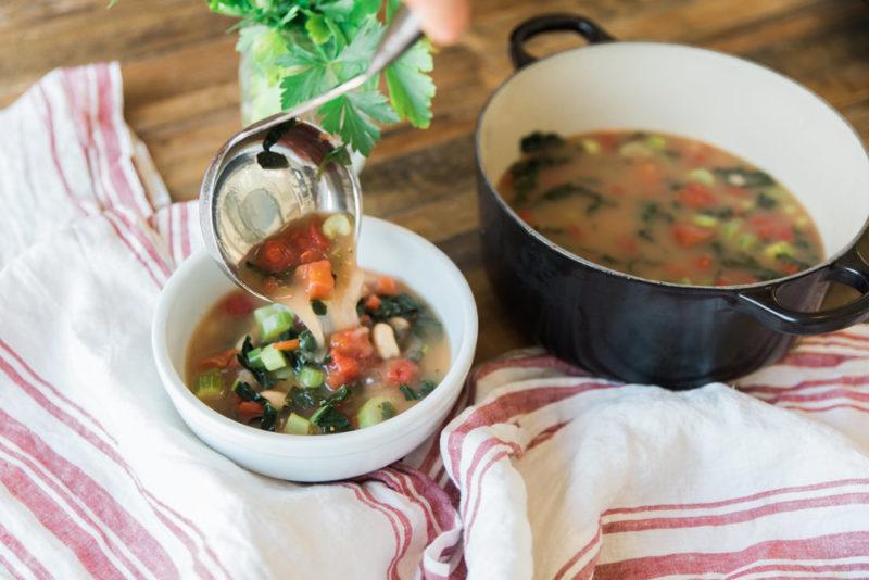 Изображение рецепта Суп с белой фасолью и кейлом
