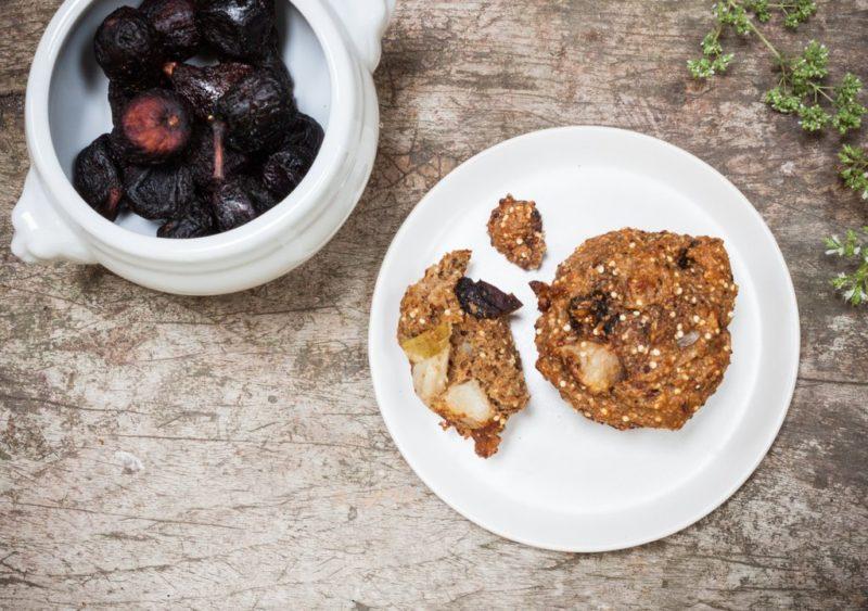 Изображение рецепта Гречневые маффины с грушей и инжиром