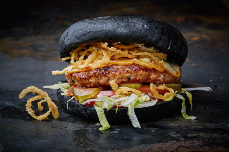 Изображение рецепта Чёрный бургер с индейкой
