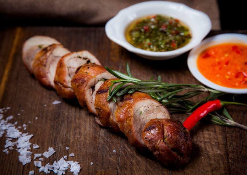 Изображение рецепта Бедро индейки с печёным чесноком