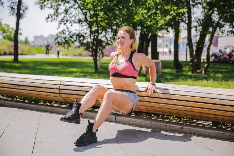 5 эффективных упражнений для красивых плеч и рук. Изображение номер 17