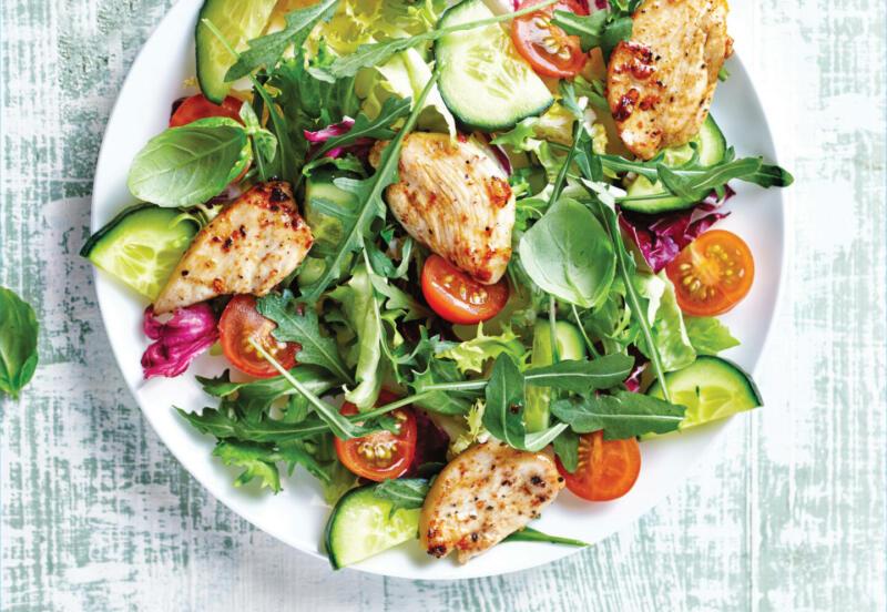 Изображение рецепта Мятный салат с курицей и персиком