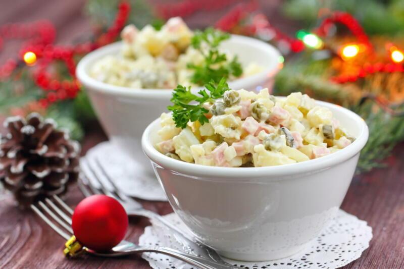 Изображение рецепта Оливье с красной рыбой и авокадо