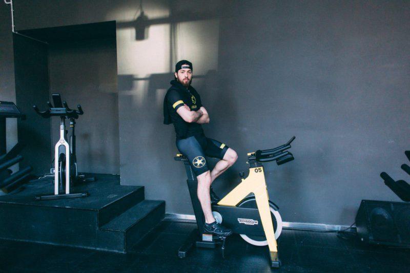 Что эффективнее: обычная езда на велосипеде или сайклинг в студии. Изображение номер 1