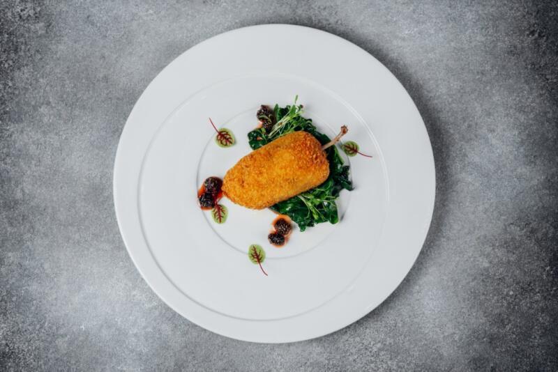 Изображение рецепта Котлета из перепёлки со шпинатом и вареньем из шишек