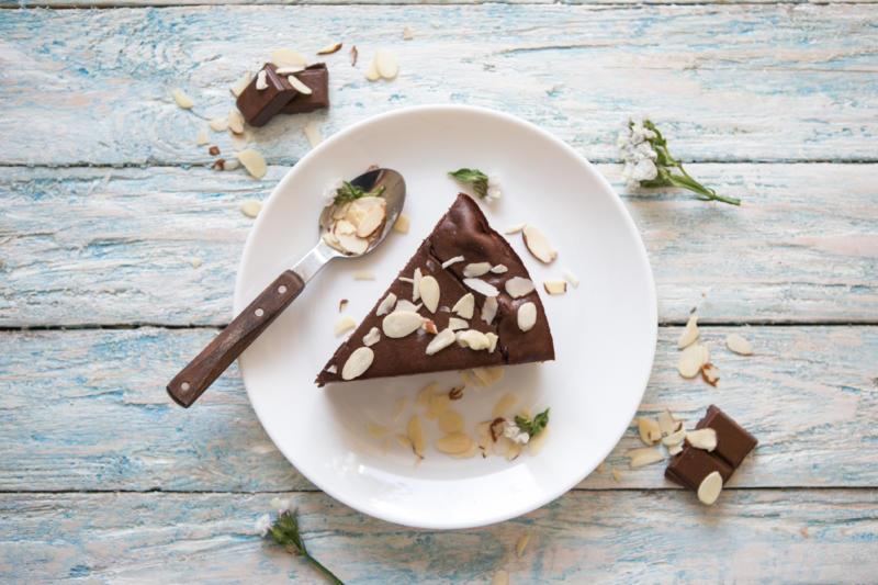 Изображение рецепта Шоколадный торт c шариками из творога