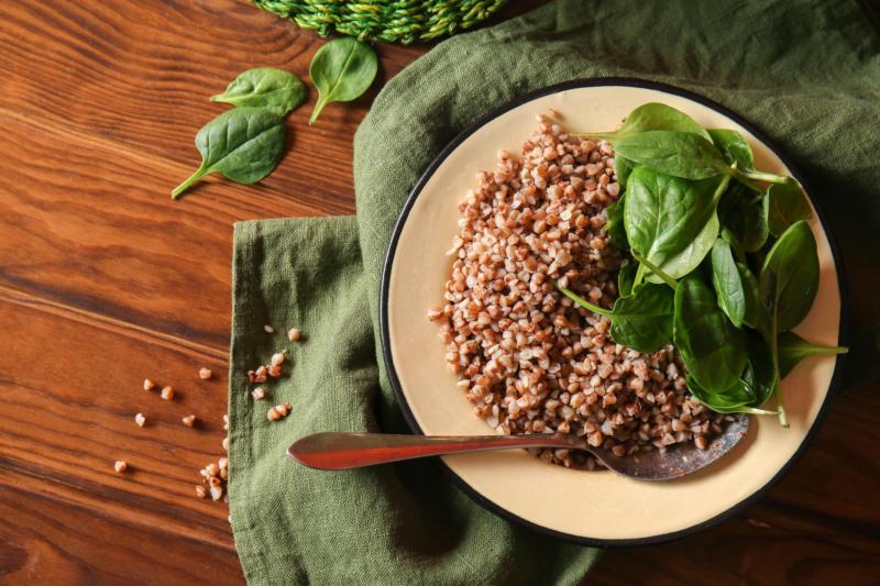 Изображение рецепта Гречневая каша со шпинатом и голубым сыром