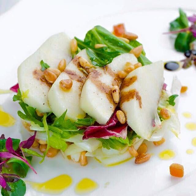 Изображение рецепта Салат из фенхеля с грушей и кедровыми орешками