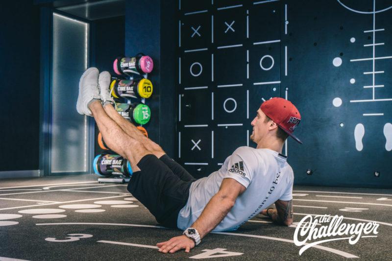 Июльский челлендж: 3 упражнения, которые помогут вам увидеть свой пресс. Изображение номер 7