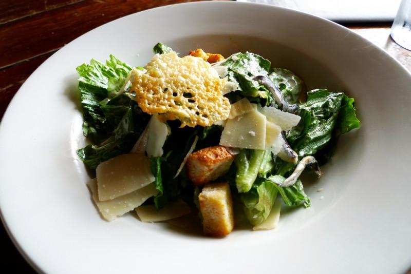 Как приготовить идеальный салат «Цезарь». Изображение номер 1