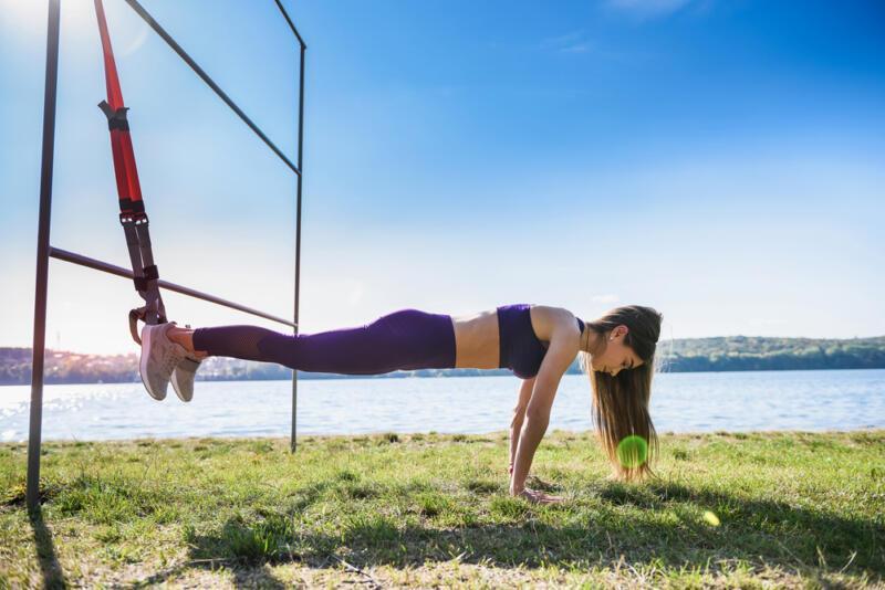Как тренироваться с петлями TRX: 6 упражнений, которые вы ещё не делали. Изображение номер 3