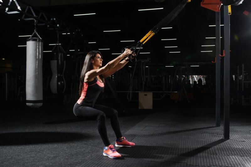 Как тренироваться с петлями TRX: 6 упражнений, которые вы ещё не делали. Изображение номер 8