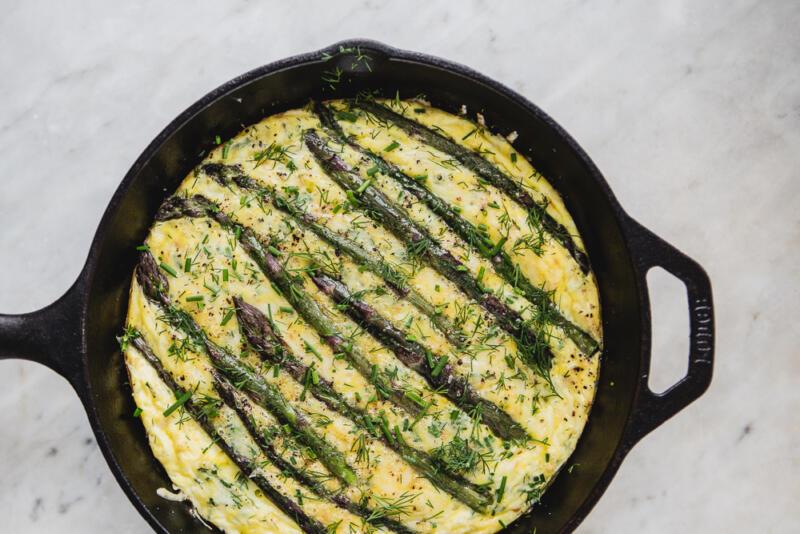 Изображение рецепта Фриттата со спаржей и сливочным сыром