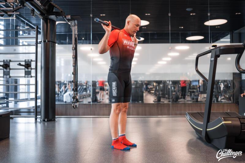 Майский челлендж: 5 простых упражнений, которые сделают ваши ноги сильнее. Изображение номер 3