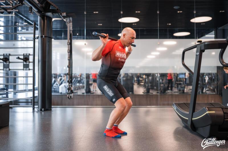 Майский челлендж: 5 простых упражнений, которые сделают ваши ноги сильнее. Изображение номер 4