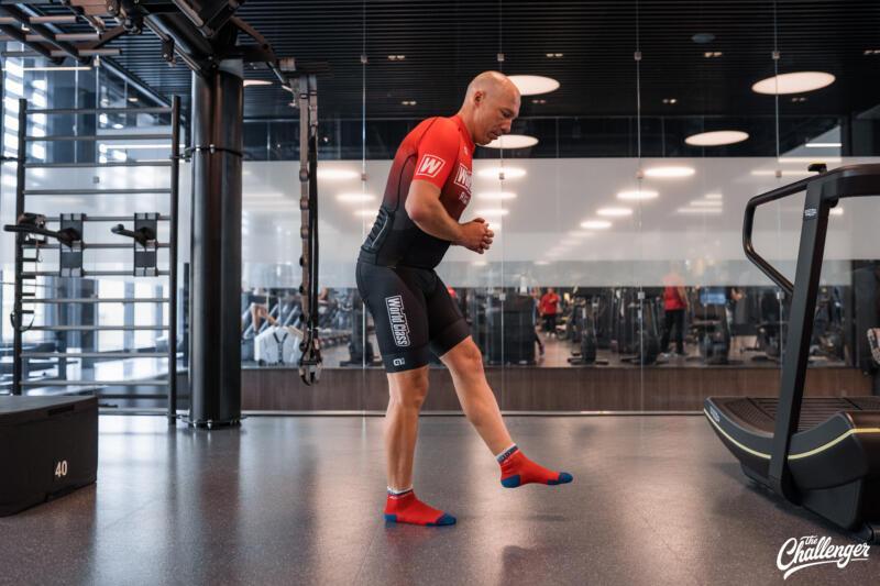 Майский челлендж: 5 простых упражнений, которые сделают ваши ноги сильнее. Изображение номер 8