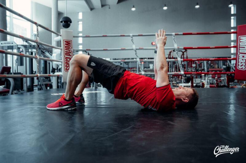 Мышцы как у Дуэйна Скалы Джонсона: 6 мощных статических упражнений для всего тела. Изображение номер 5