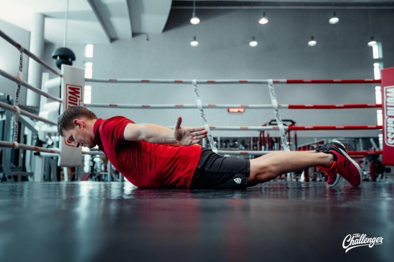 Мышцы как у Дуэйна Скалы Джонсона: 6 мощных статических упражнений для всего тела. Изображение номер 6