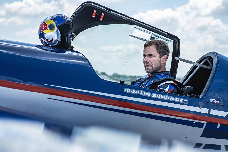 «Нам нужно быть сильными, но максимально лёгкими»: как тренируется и что ест чемпион мира Red Bull Air Race. Изображение номер 4