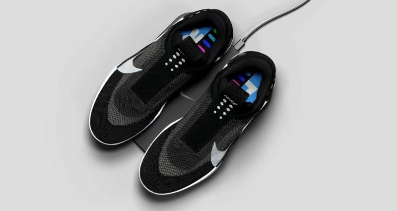 Новые самошнурующиеся кроссовки Nike перестали работать у их владельцев. Изображение номер 1