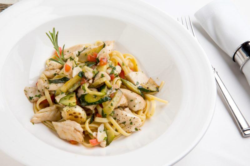 Изображение рецепта Паста с сибасом и цуккини под соусом «Белое вино»