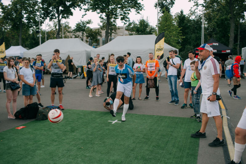 Поле возможностей: как незрячие спортсмены играют в футбол в России. Изображение номер 2