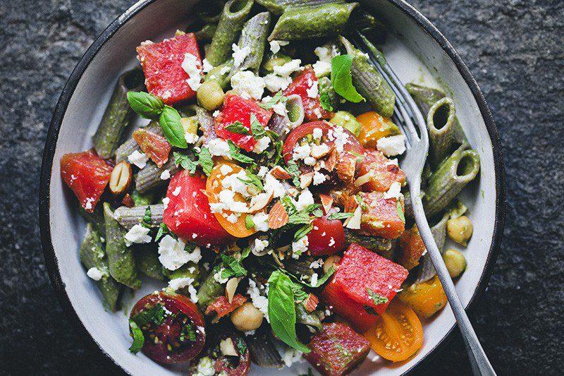 Изображение рецепта Паста со шпинатным соусом и арбузом
