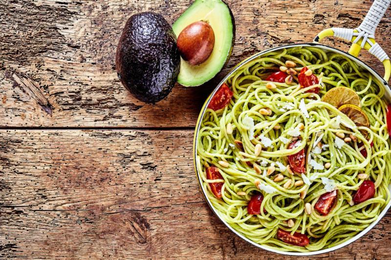 Изображение рецепта Спагетти с авокадо, томатами и лаймом