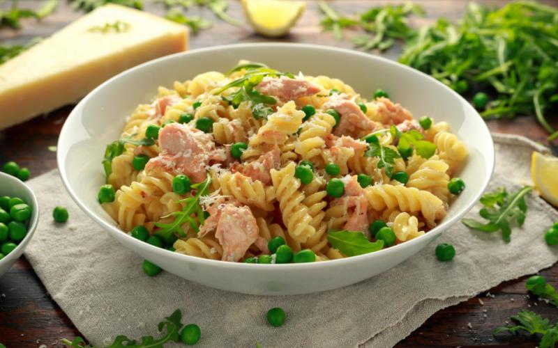 Изображение рецепта Паста с лососем и зелёным горошком