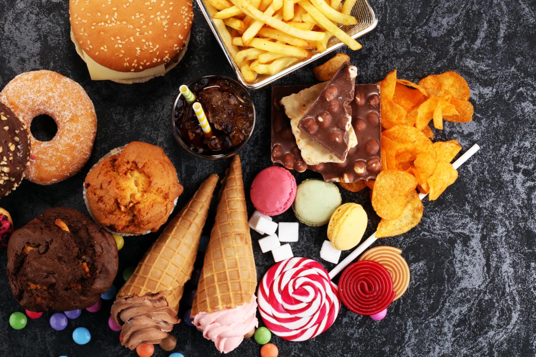 Шоколад, чипсы, гамбургеры и другая обработанная еда приводят к ранней смерти. Изображение номер 1