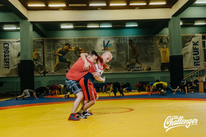 Тренировка для тех, кто хочет освоить навыки самообороны: 6 захватов из вольной борьбы. Изображение номер 12