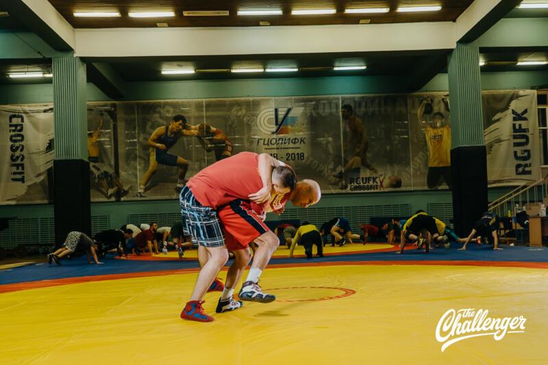 Тренировка для тех, кто хочет освоить навыки самообороны: 6 захватов из вольной борьбы. Изображение номер 13