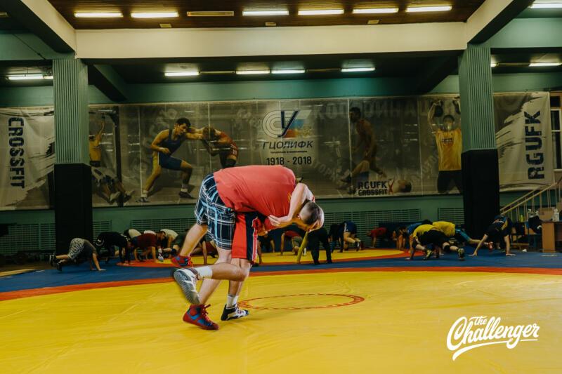 Тренировка для тех, кто хочет освоить навыки самообороны: 6 захватов из вольной борьбы. Изображение номер 14