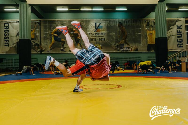 Тренировка для тех, кто хочет освоить навыки самообороны: 6 захватов из вольной борьбы. Изображение номер 15