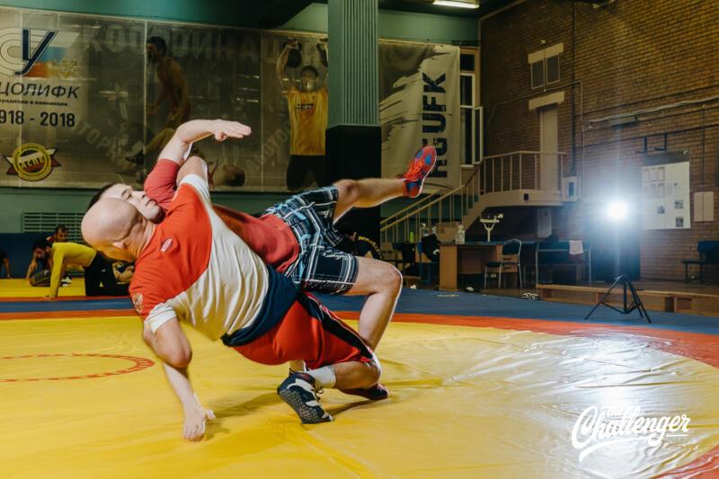 Тренировка для тех, кто хочет освоить навыки самообороны: 6 захватов из вольной борьбы. Изображение номер 18