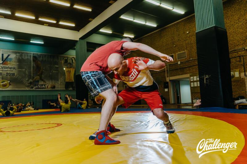 Тренировка для тех, кто хочет освоить навыки самообороны: 6 захватов из вольной борьбы. Изображение номер 21