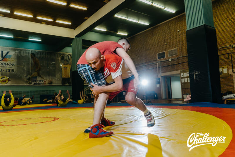 Тренировка для тех, кто хочет освоить навыки самообороны: 6 захватов из вольной борьбы. Изображение номер 22