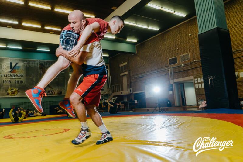 Тренировка для тех, кто хочет освоить навыки самообороны: 6 захватов из вольной борьбы. Изображение номер 23