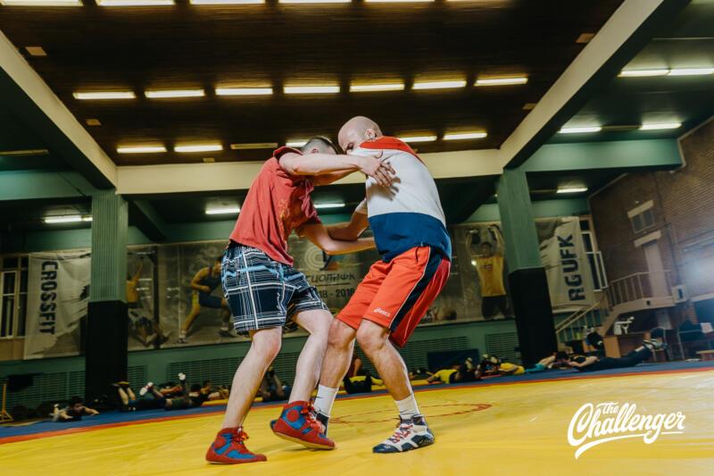 Тренировка для тех, кто хочет освоить навыки самообороны: 6 захватов из вольной борьбы. Изображение номер 25