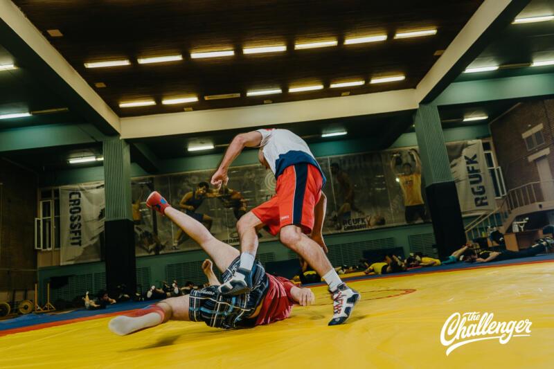Тренировка для тех, кто хочет освоить навыки самообороны: 6 захватов из вольной борьбы. Изображение номер 28